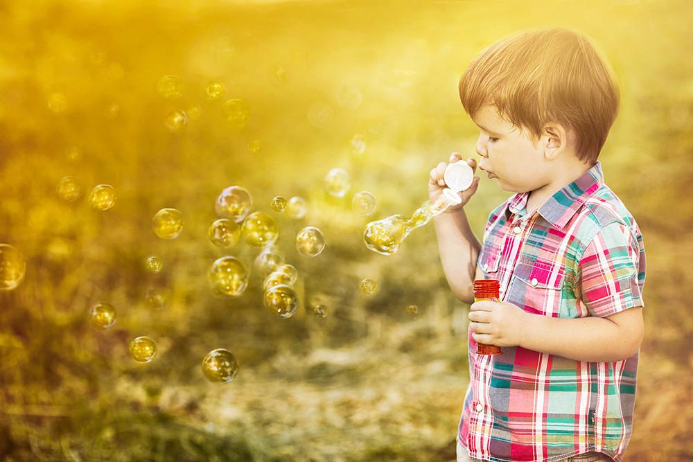 Soap bubble dance